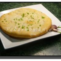 Chlebové česnekové placky