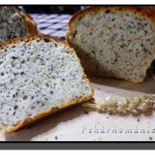 Toustový vícezrnný chléb