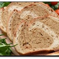 Dvojbarevný chleba