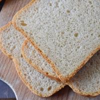 Mléčný snídaňový chléb
