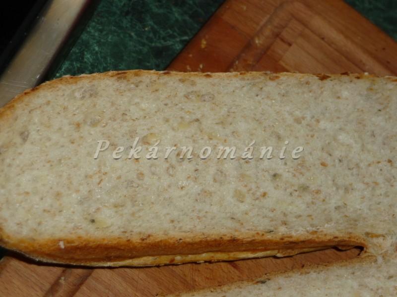 Cibulové bagety se sýrem
