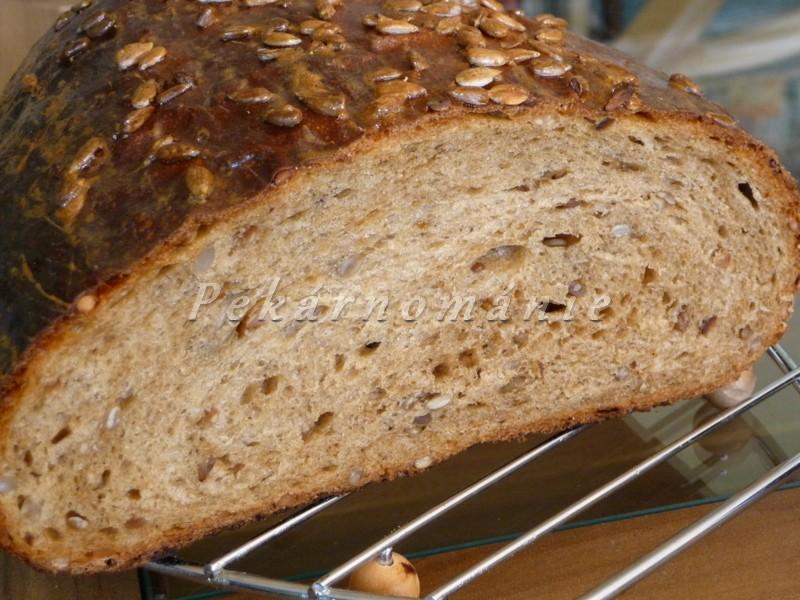 Slunečnicový chleba s Meltou