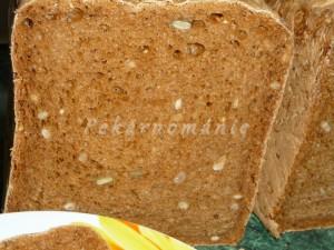 Zrníčkový chleba s kváskem a kulérem