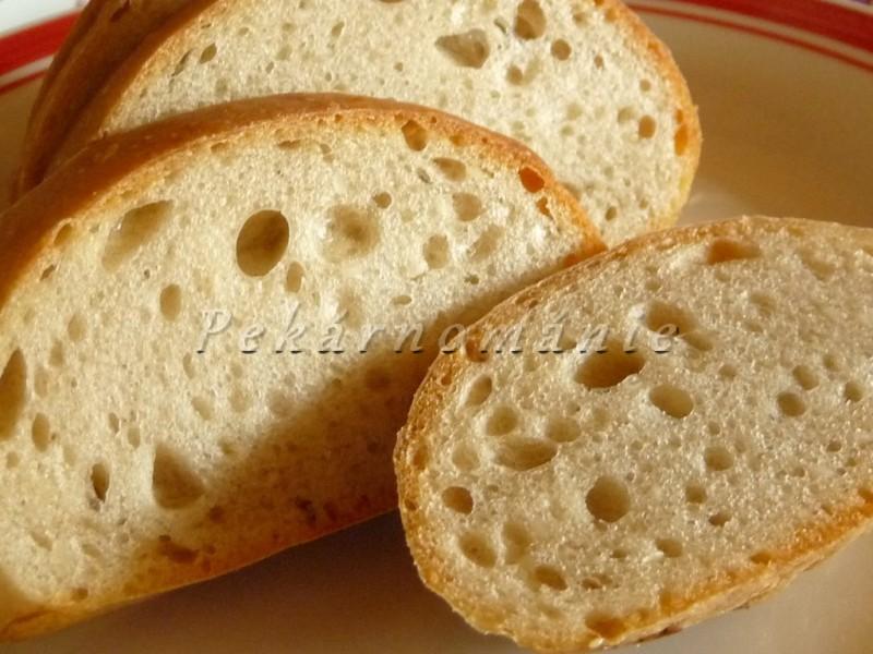 Pšeničné kváskové bulky se sezamem