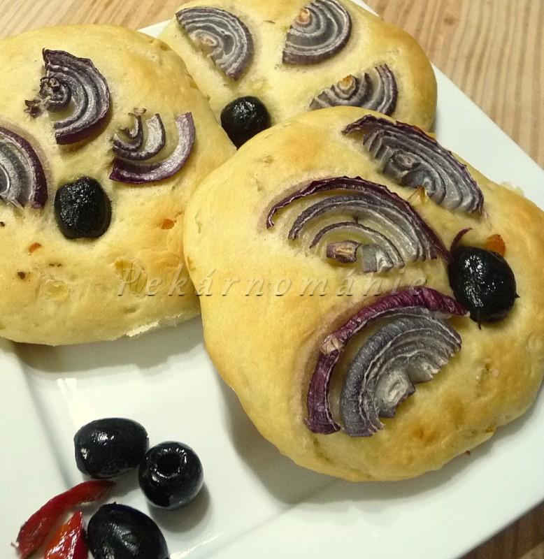 Semolinové placky s cibulí