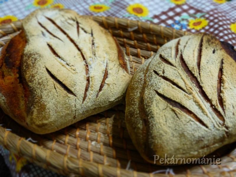 Pšenično-žitný chléb s listem