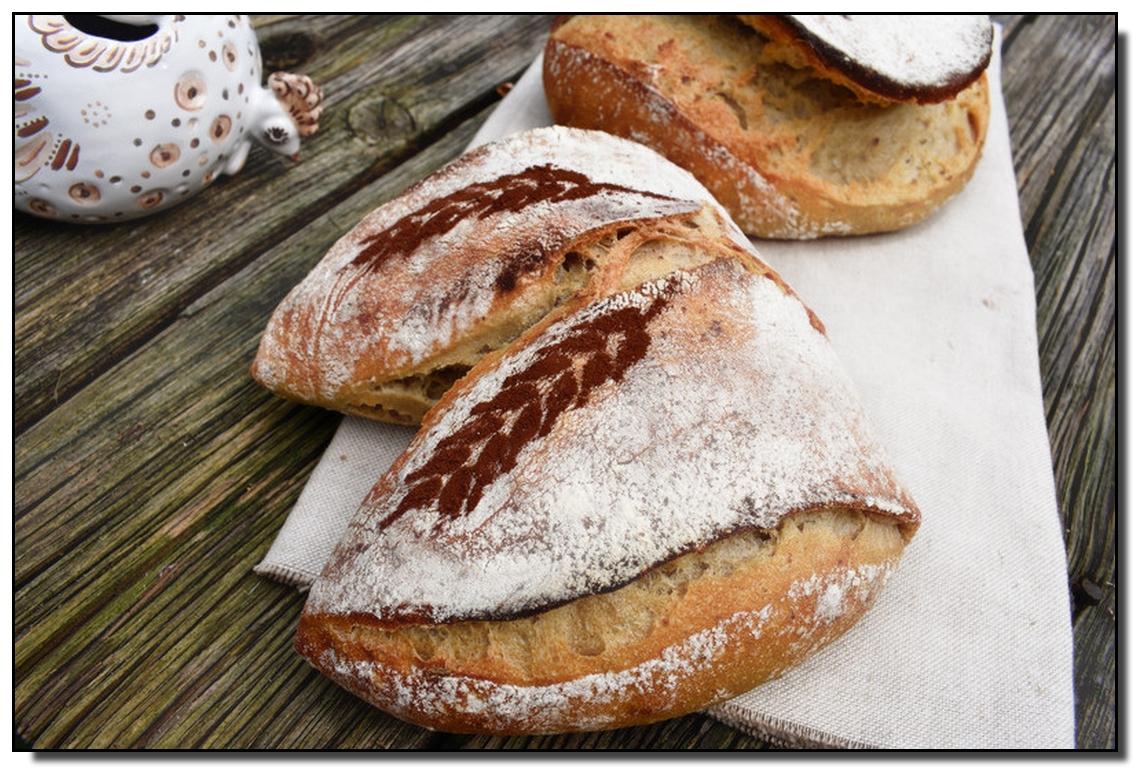 Tvarovaný světlý chleba