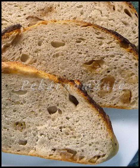 Klasický kváskový chléb se škvarkama (z remosky nebo trouby)