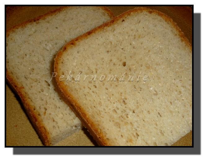 Sýrový chleba s restovanou cibulkou